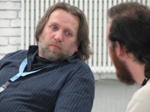 Michael Iwoleit und Sven Klöpping während der Nova-Roomparty auf dem DORT.con 2011.